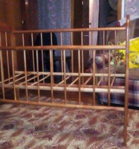 Детская кроватка,с матрасом!