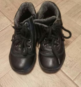 Ботинки осенние 29 размер