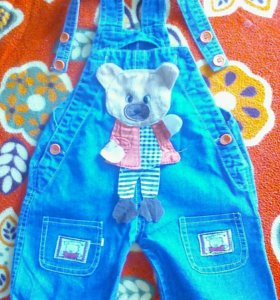 Полукомбинезон джинсовый.