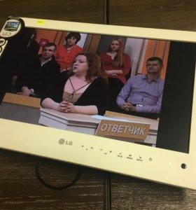 Телевизор LG 19LE3400