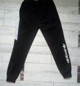Спортивные штаны .Размер M