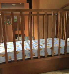 Кровать детская с выдвижным ящиком
