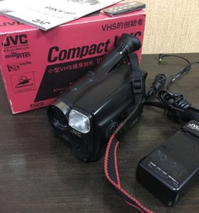 Видео камера JVC AX-68 в коробке вышлю