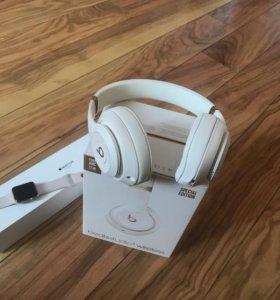 Наушники Beats Studio 3 и Apple Часы