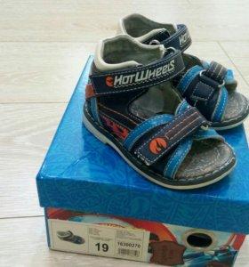Детская обувь. Размер 19