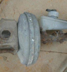 Главный тормозной цилиндр с вакуумом