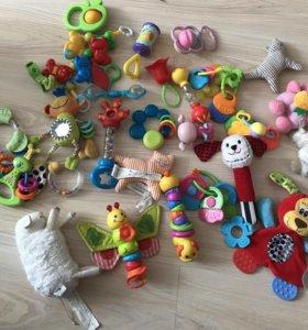 Игрушки погремушки детям до года