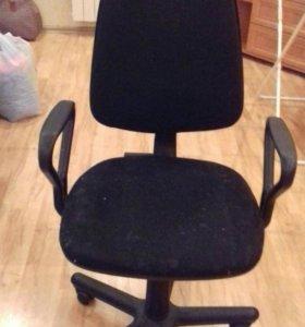 Компьютерное кресло.