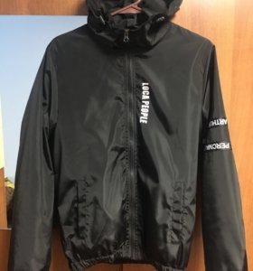 Легкая куртка ветровка xs