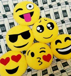 Подушки Emoji смайлы
