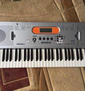 Синтезатор Medelli m5
