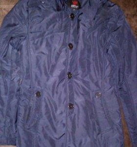 Продам куртку плащ на подростка
