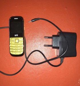 Маленький телефон Ark