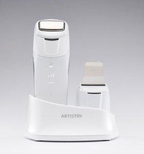Многофункциональный аппарат по уходу за кожей лица