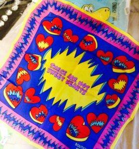 Шелковый платок Moschino, 68x68