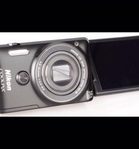 Фотоаппарат с поворотным дисплеем Nikon S6900 12x