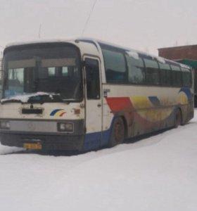 АвтобусМерседес бенс 0303