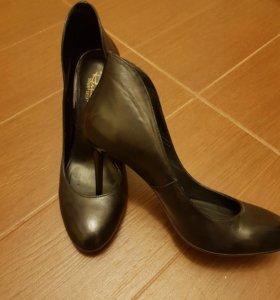 Туфли на шпильке Respect
