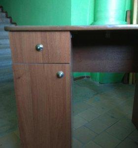 письменный стол для школьников