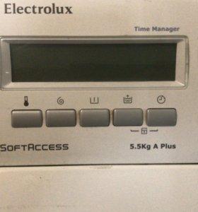 Вертикальная стиральная машина Электролюкс