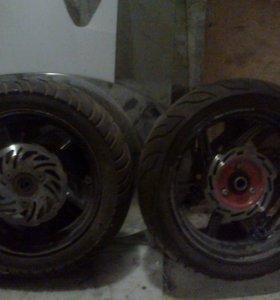 Два колеса для скутера Keeway