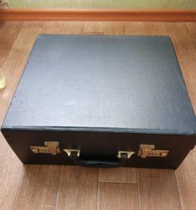 Сборный чемодан для продажи очков