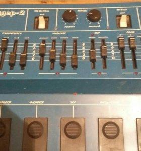 Гитарный микросинтезатор