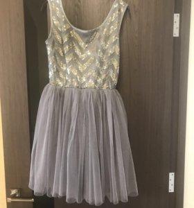 Нарядное платье р. 42