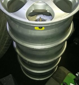Комплект литых дисков на 16, 5 дыр, универсальные