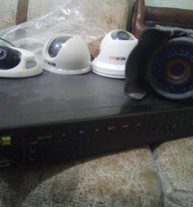 Регистратор и 4 камеры