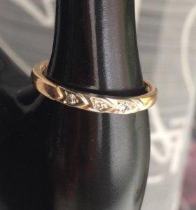 Кольцо золотое мужское с тремя бриллиантами
