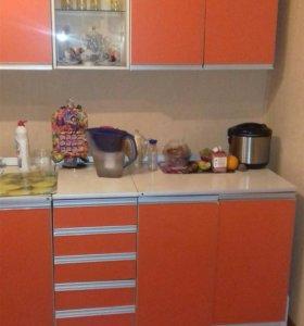 Продам кухонный гарнитур 2.0 м