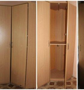 Шкаф угловой трехсекционный