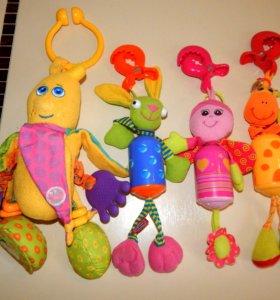 Подвески игрушки Tiny Love(остался Банан и Бабочка
