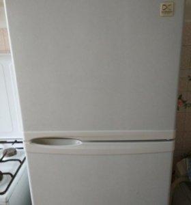 Холодильник бу Daewoo FR-291
