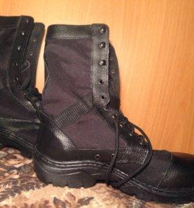 Новые мужские ботинки 42-го размера