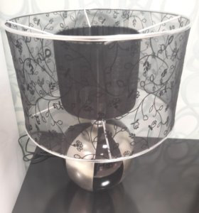 Настольная лампа ( новая)