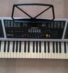 Электронный синтезатор DEK-881