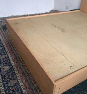 Кровать б/у без матраца