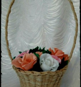 Корзина плетёная для цветов.