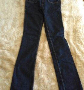 Новые джинсы Tommi Hilfiger