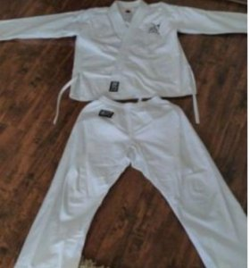 Кимано костюм,есть пояс,чешки,нашивка🥋 122 рост