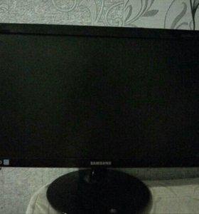 Монитор Samsung S19B300N