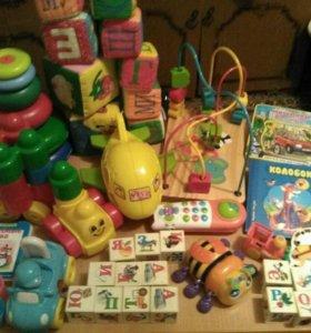 Огромный пакет игрушек малышам от года