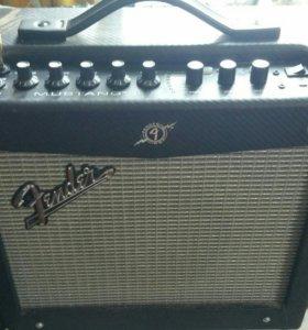 комбоусилитель Fender Mustang