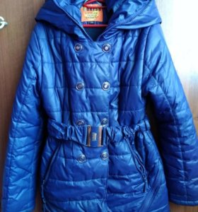 Курточка на девочку 6-8 лет.