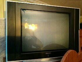 Телевизор Ролсен, рабочий,все цвета в порядке