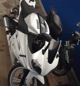 Реплика Yamaha R1