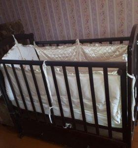 Детская кроватка,матрас.
