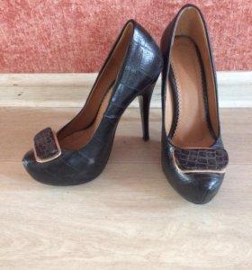 Классические туфли 35 р